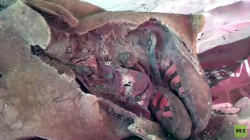 ماجرای کشف مومیایی 1500 ساله با کفش آدیداس (عکس)