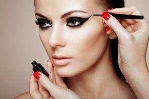 چگونه آرایش زیبا و شیکی داشته باشیم؟