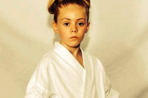 این دختربچه 10 ساله کاراته باز همه را حیرت زده کرد (عکس)