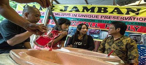 چندش آور ترین رستوران در اندونزی (عکس)