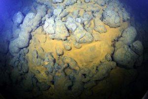 این عکس های باورنکردنی آتشفشان زیر آب هستند