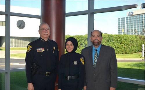 با اولین پلیس زن محجبه آمریکا آشنا شوید (عکس)