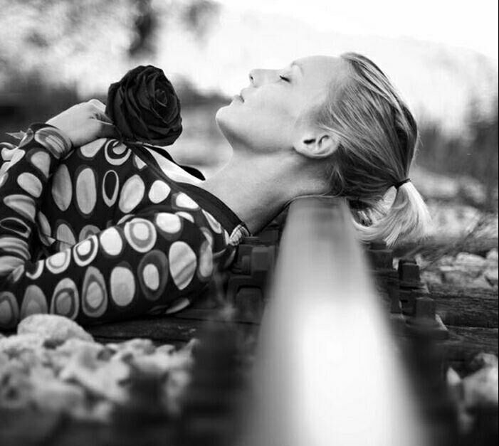 عکس های عاشقانه و احساسی از لحظات تنهایی