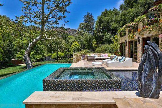 عکسهای دیدنی از خانه جنیفر لوپز در لس آنجلس  عکسهای دیدنی از خانه جنیفر لوپز در لس آنجلس 401781867 irannaz com