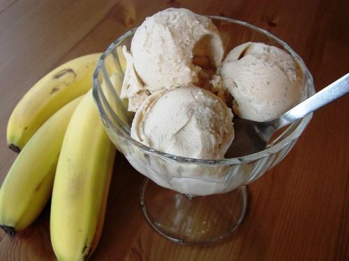طرز تهیه بستنی با پوره موز