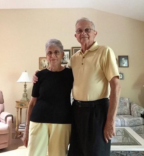 عکس های جالب از ست کردن لباس پدربزرگ و مادربزرگ ها