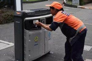 ساختن سطل زباله هوشمند در کشور چین (عکس)