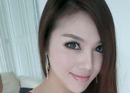انتخاب جذاب ترین معلم زن در چین (عکس)  انتخاب جذاب ترین معلم زن در چین (عکس) 147309794143189 irannaz com