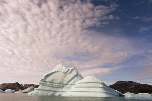یخ های گرینلند در حال آب شدن هستند (عکس)