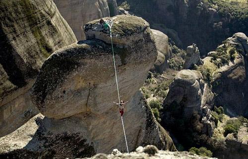 عکس هایی حیرت آور از شجاع ترین زن دنیا  عکس هایی حیرت آور از شجاع ترین زن دنیا 147324663561892 irannaz com