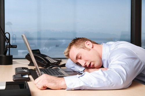 راهی برای مبارزه با خواب آلودگی در محل کار