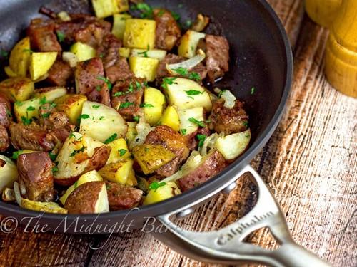 طرز تهیه خوراک گوساله با سیب زمینی