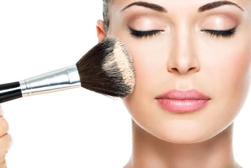 احکام آرایش کردن زنان در دین اسلام