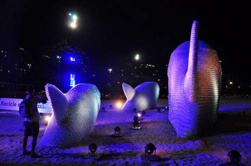 این مجسمه های باورنکردنی از بطری ساخته شده اند (عکس)