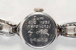 هدیه باورنکردنی که آدولف هیتلر به نامزدش داد (عکس)