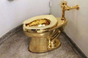 این توالت فرنگی از جنس طلای 18 عیار می باشد (عکس)