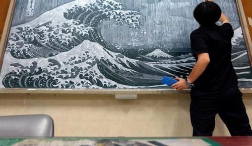 با هنرمندترین معلم دنیا آشنا شوید (عکس)