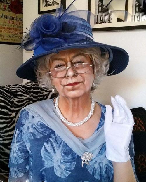 این خانم به زن هزار چهره در دنیا معروف است!! (عکس)