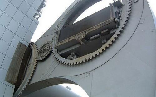 عکس های دیدنی از عجیب ترین آسانسور دنیا