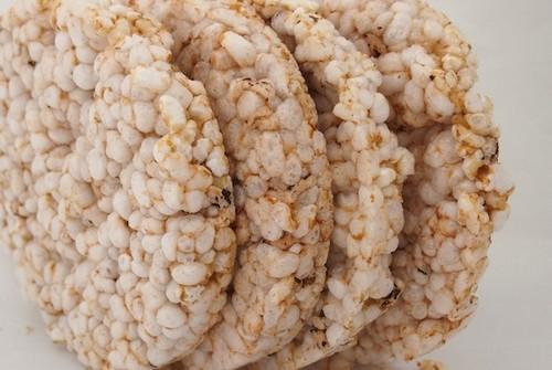 راز درست کردن شیرینی برنجی خوشمزه