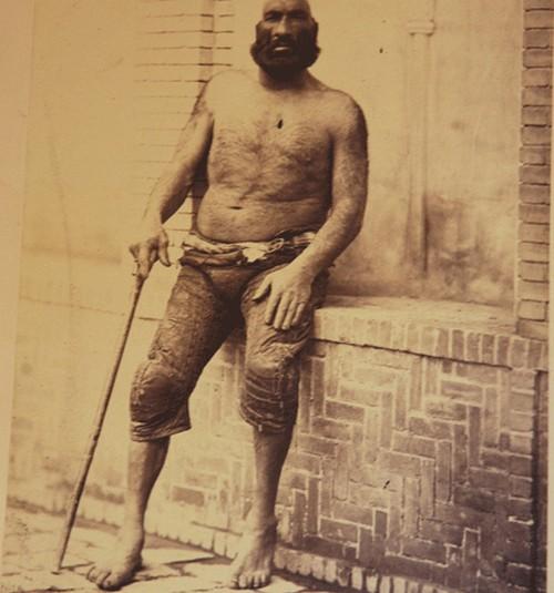 قوی ترین مرد ایران در زمان ناصرالدین شاه را بشناسید (عکس)