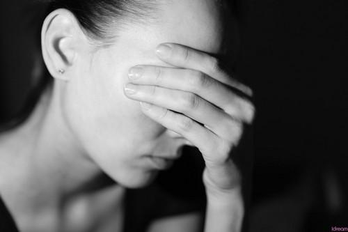 با افراد غمگین و افسرده چه کنیم؟