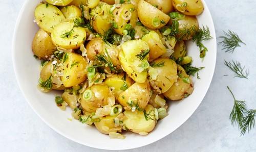 طرز تهیه سالاد سیب زمینی خوشمزه و جدید