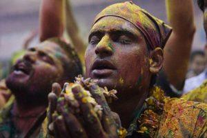 عکس های جذاب و دیدنی از جشنواره هولی در هند