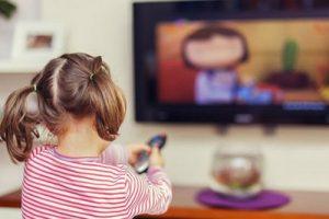 از اثرات مخرب تلویزیون چه می دانید؟