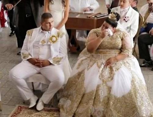 لباس عروس شوکه کننده 600 میلیون تومانی (عکس)