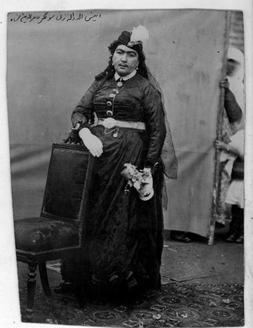 عکس های دیده نشده از ملکه دربار ناصرالدین شاه