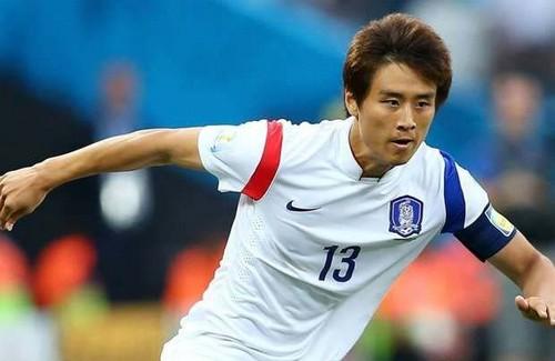 جنجالی شدن توهین بازیکن فوتبال کره ای به مردم ایران (عکس)