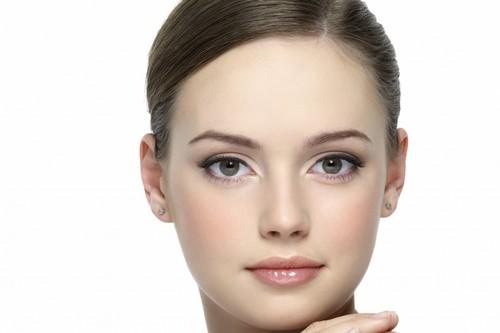 چگونه از پوست های چرب مراقبت کنیم؟