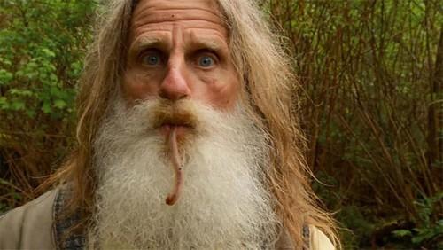 عکس هایی از مرد جنگلی عجیب و غریب بدون کفش