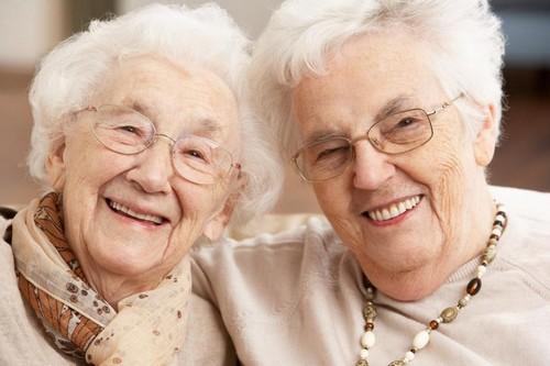 رفتار مناسب با سالمندان