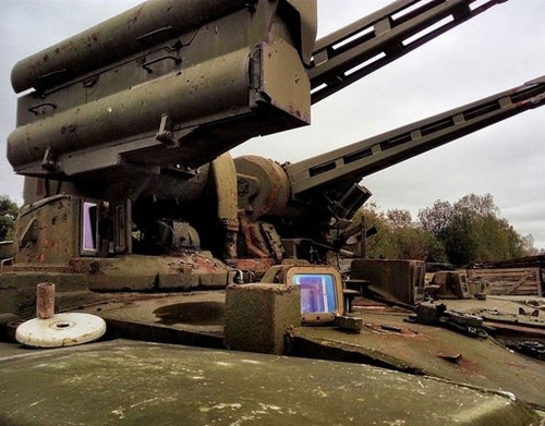 عکس هایی مرموز از قبرستان تانک ها در روسیه