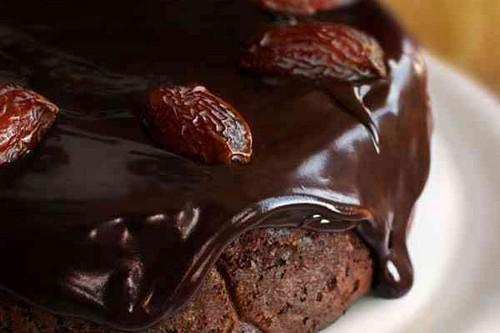 راز درست کردن کیک خرما با شکلات