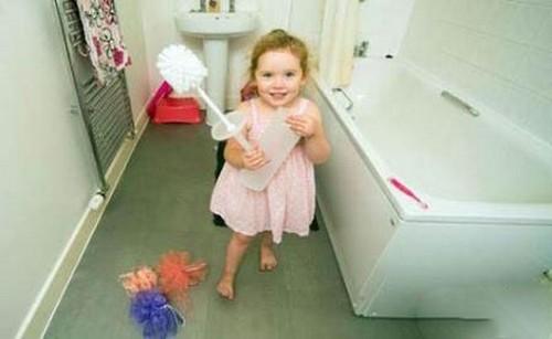 این دختربچه دوساله همه چیز را میخورد (عکس)