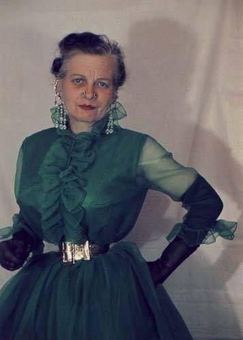 با کمر باریک ترین زن دنیا آشنا شوید (عکس)