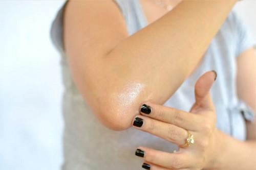 با این روش تیرگی زانو آرنج خود را از بین ببرید!!