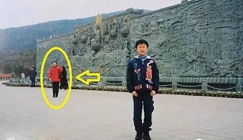 این خانم با دیدن عکس کودکی همسرش شوکه شد (عکس)