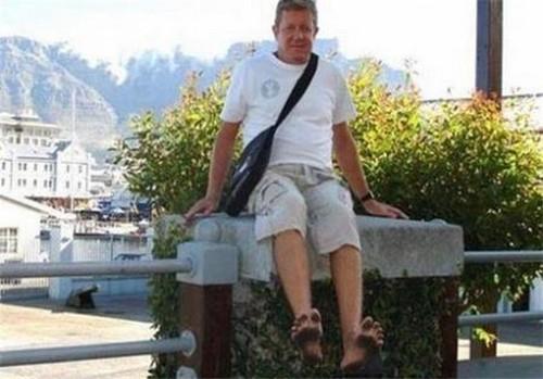 معروف شدن این مرد بخاطر حرکت چندش آورش (عکس)