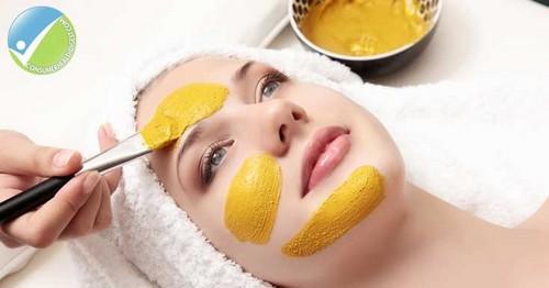 چگونه ماسک عسل و زردچوبه درست کنیم؟