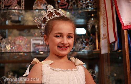 این دختربچه زیبا خودش را میلیونر کرد + تصاویر
