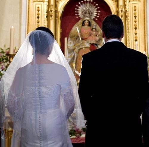 ازدواج جنجالی زوجی که ناگهان فهمیدند خواهر برادرند +عکس
