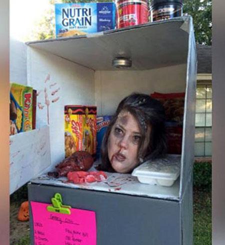 سر بریده مادر در یخچال برای جشن هالووین +تصاویر