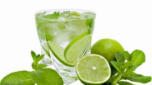 روش تهیه نوشیدنی خوشمزه موهیتو مکزیکی