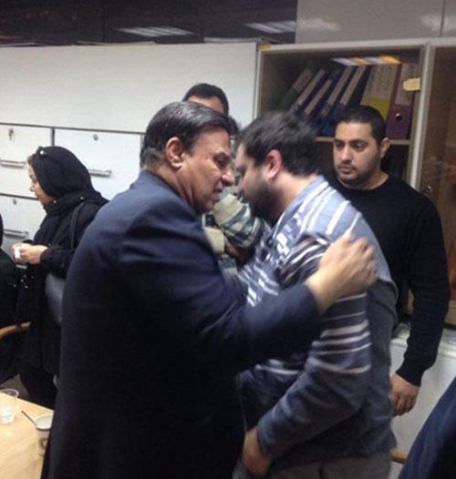 تصاویر گریه شدید همسر منصور پورحیدری