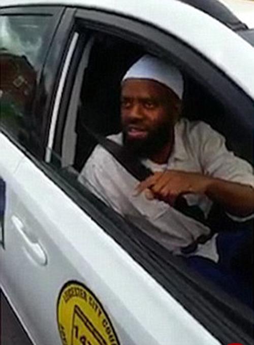 راننده تاکسی بخاطر سوار نکردن سگ جریمه شد+عکس