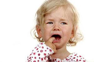 دار زدن هولناک کودک توسط کارمند مهدکودک +عکس